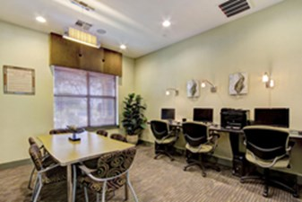 Business Center at Listing #150445