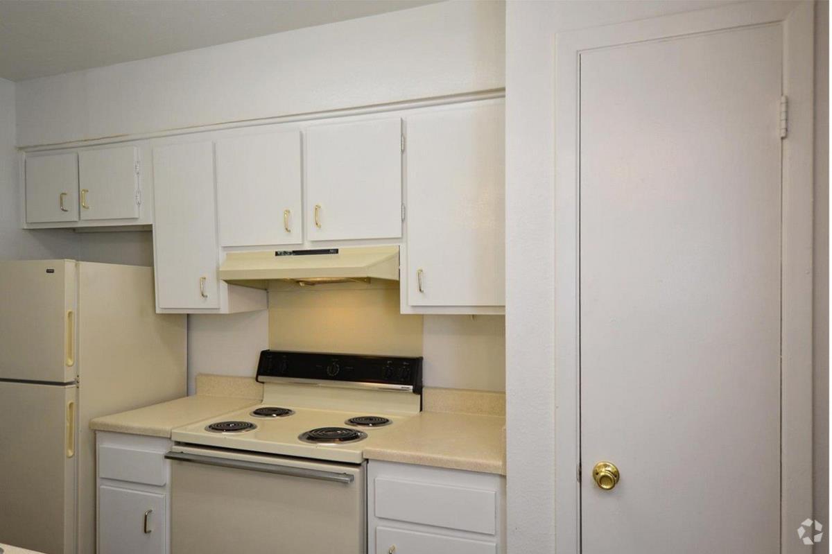 Kitchen at Listing #137551