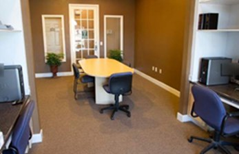 Business Center at Listing #138283
