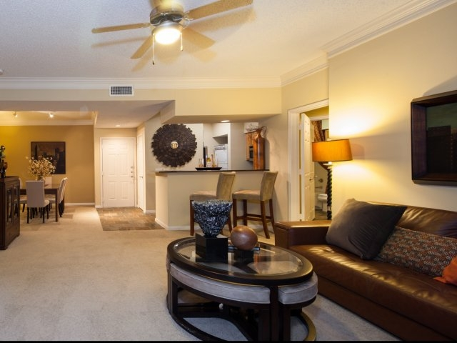 Living Area at Listing #139720