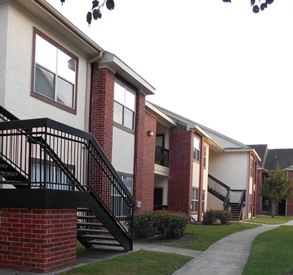 Oakbridge Apartments