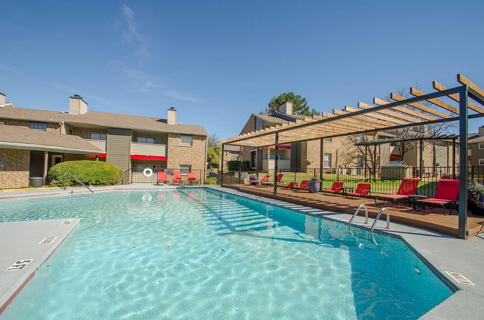 Pool at Listing #136886