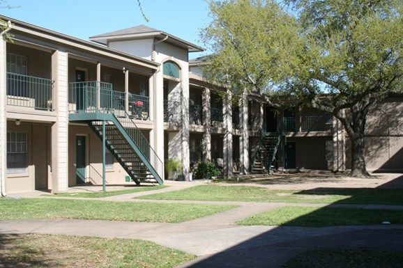Life at Parkview Apartments