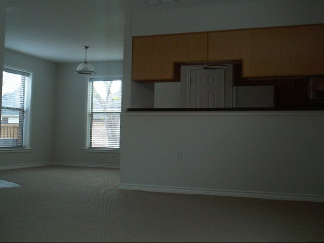 Dining at Listing #229571