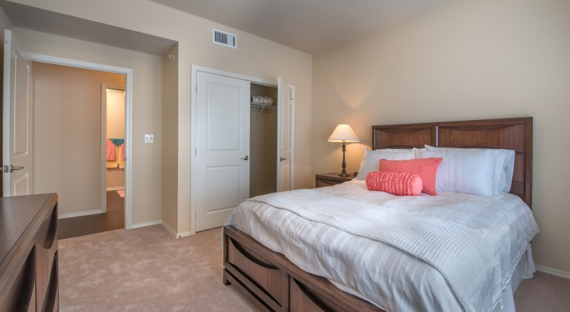Bedroom at Listing #226278