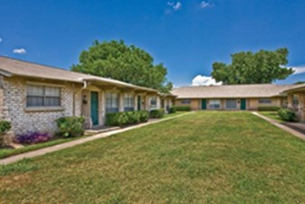 Exterior at Listing #138381