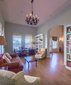Lounge at Listing #151505