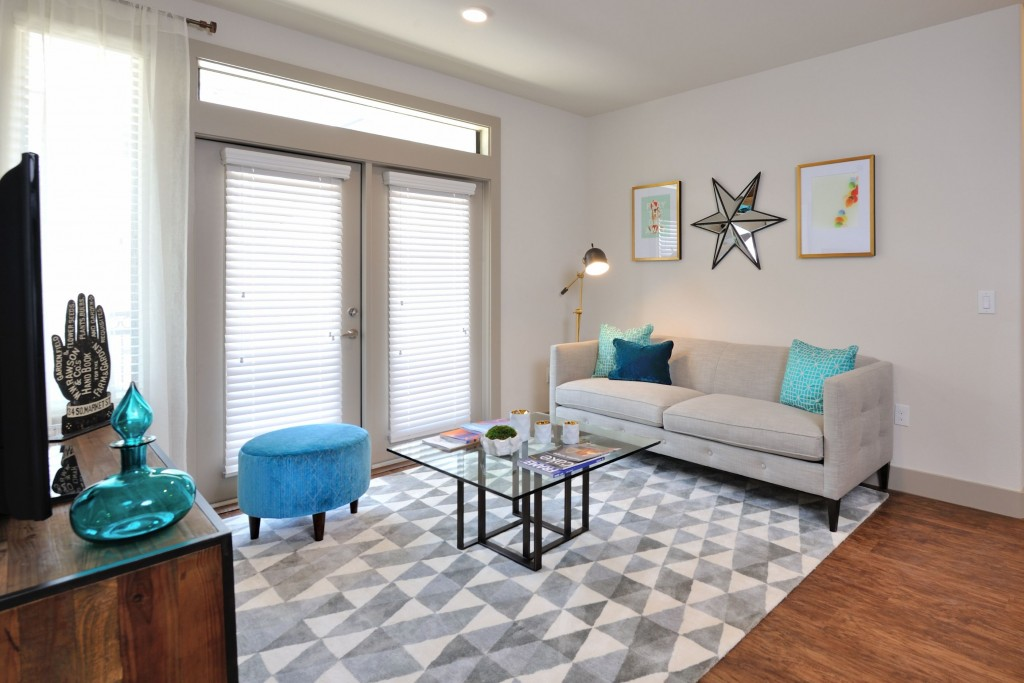 Living Area at Listing #268377