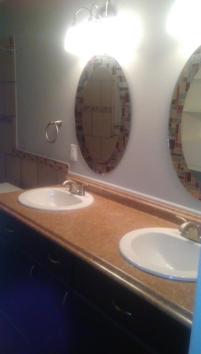 His and Hers Sink at Listing #141214