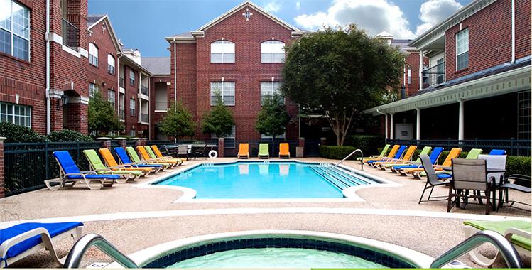 Pool at Listing #144419