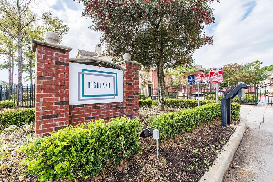 Highland Apartments Houston TX
