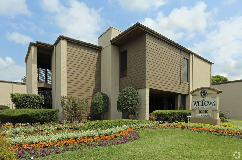 Willows Apartments Houston TX