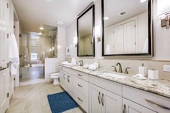 Bathroom at Listing #293539