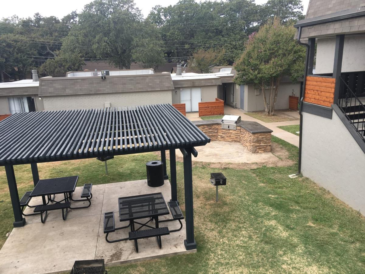 Picnic Area at Listing #136224