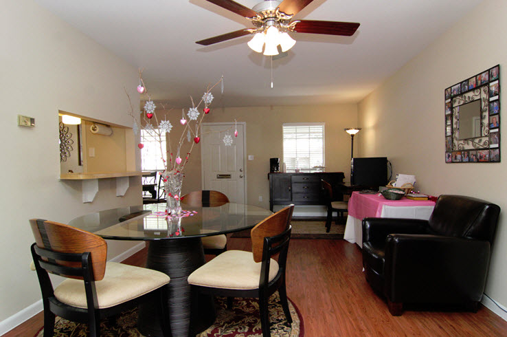 Dining/Kitchen at Listing #256268