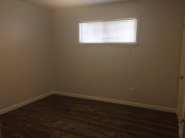 Bedroom at Listing #137479