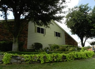Exterior at Listing #229876