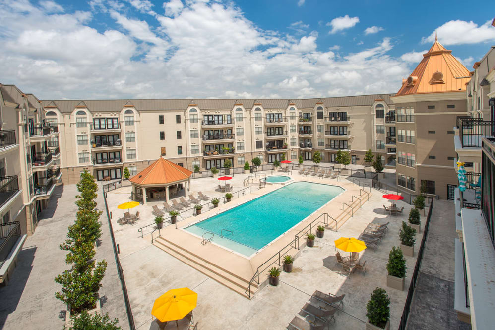 Chateau De Ville Apartments Farmers Branch TX
