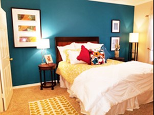Bedroom at Listing #144147