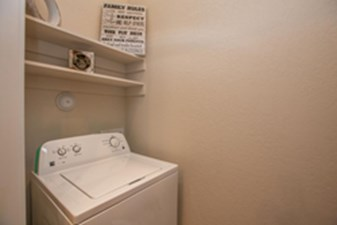 Washer/Dryer at Listing #283012