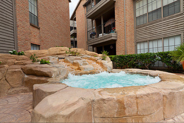 Hot Tub at Listing #138626
