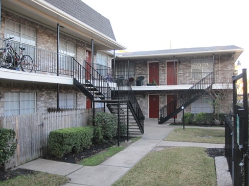 Exterior at Listing #139433