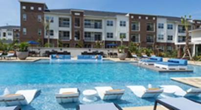 Pool at Listing #278172