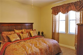Bedroom at Listing #140689