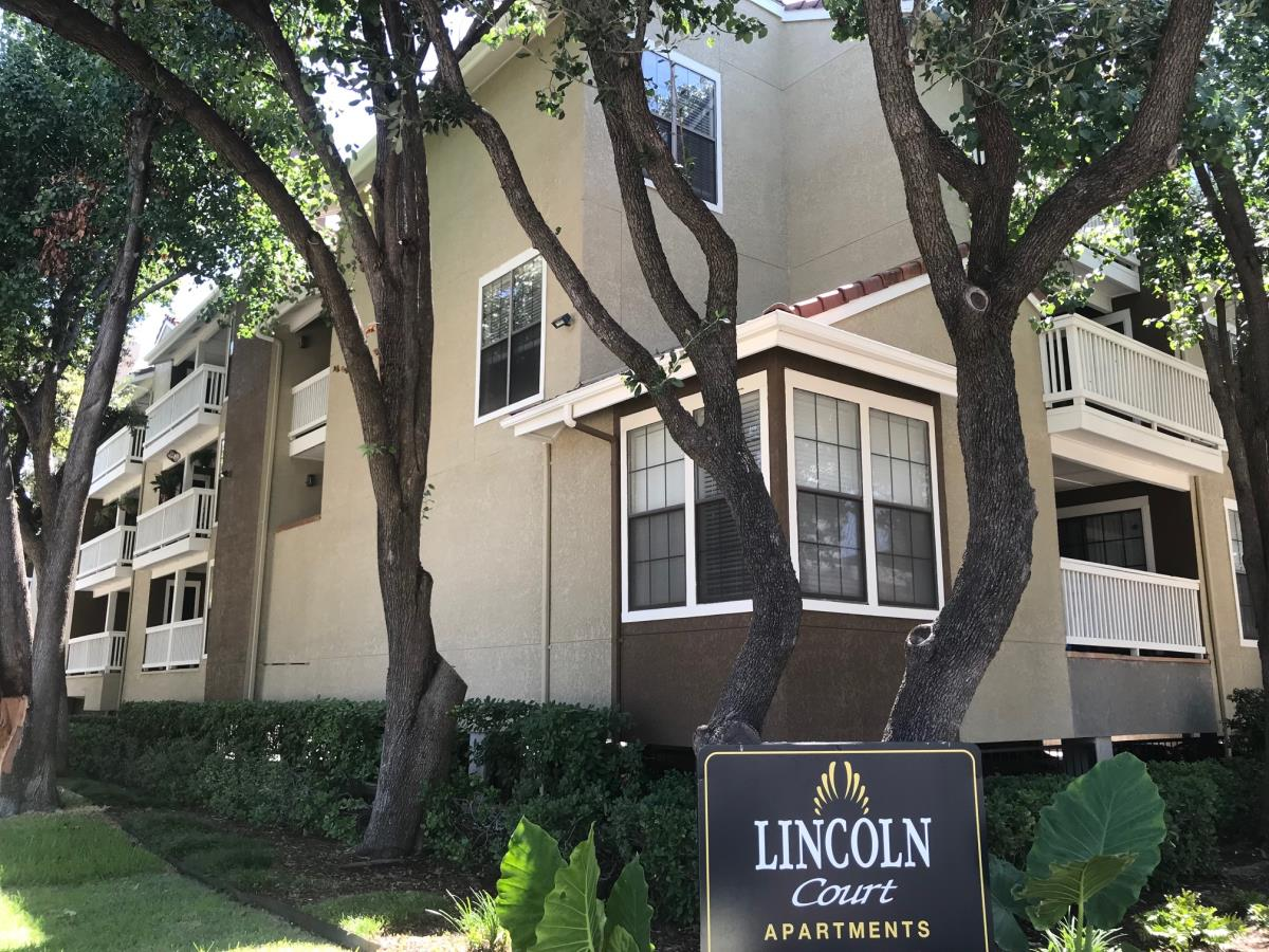 Lincoln Court Apartments Dallas TX