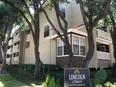 Lincoln Court Apartments Dallas TX
