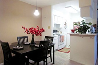 Dining/Kitchen at Listing #139678