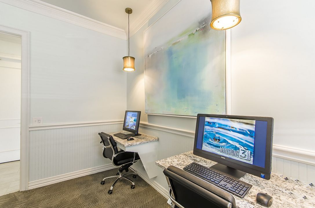 Business Center at Listing #280598