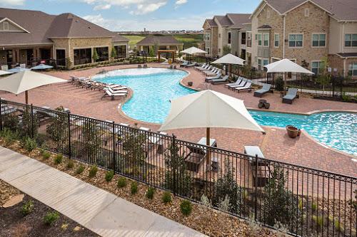 Pool at Listing #261554