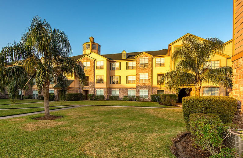 Sevona Tranquility Lake Apartments Pearland TX