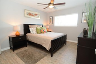 Bedroom at Listing #140540