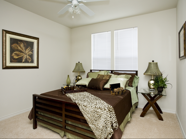 Bedroom at Listing #224136