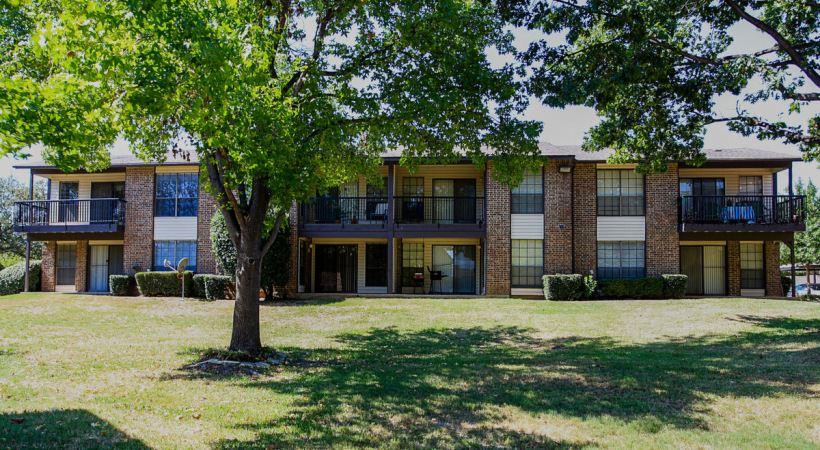 Harwood Hills Apartments Bedford TX