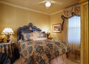 Bedroom at Listing #144593