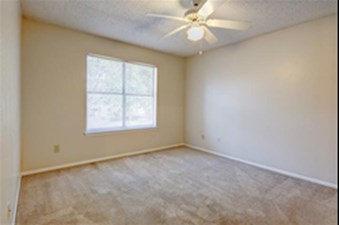 Bedroom at Listing #136281