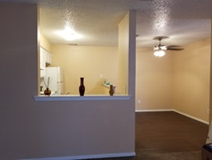 Dining at Listing #145127