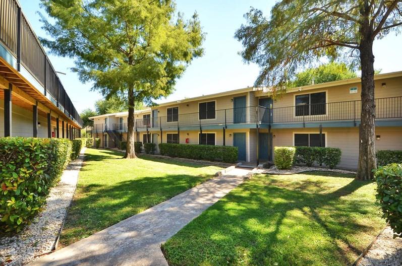 Easton Hills Apartments
