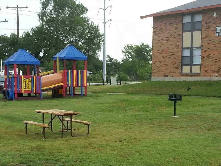 Playground at Listing #138050