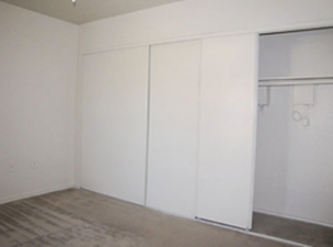 Bedroom at Listing #137613