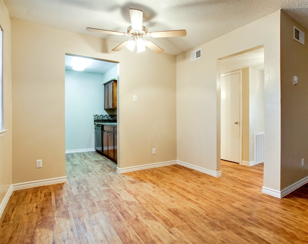Living at Listing #137372