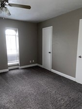 Bedroom at Listing #136923
