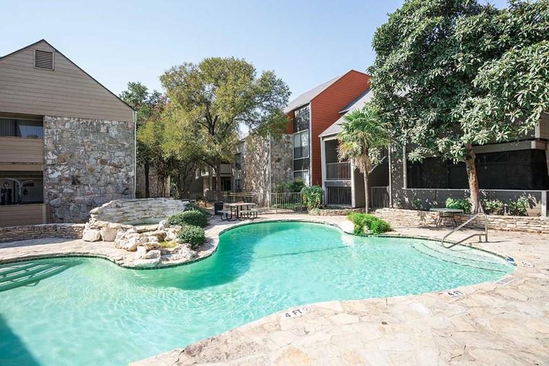 Oak Stone Apartments