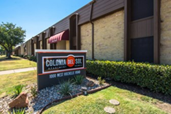Colony on Rochelle at Listing #136678