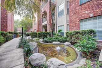 Exterior at Listing #140098