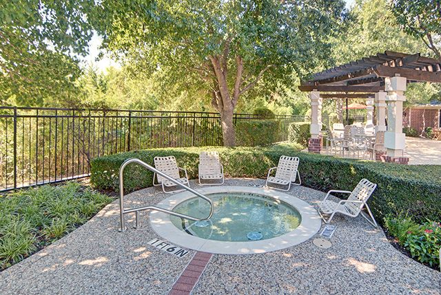 Hot Tub at Listing #138010