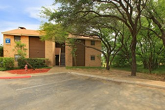 Exterior at Listing #141222